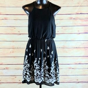 Monteau Dress Black and White, Size Large (4-6)